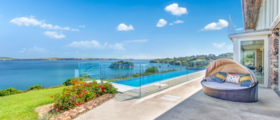 Fossil Cove Luxury Apartment | Logo | Waiheke.co.nz