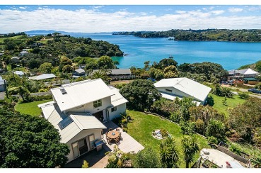 Double Bay Views | Waiheke.co.nz