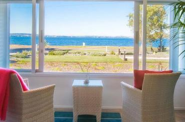 Breakfast On The Beach Lodge | Waiheke.co.nz