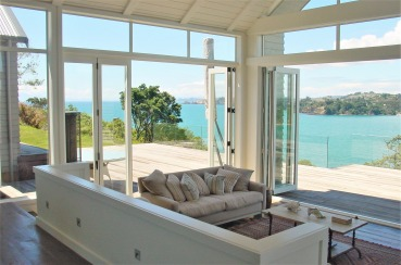 Oneroa Bay Vineyard Estate | Waiheke.co.nz