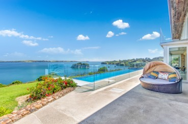 Fossil Cove Luxury Apartment | Waiheke.co.nz